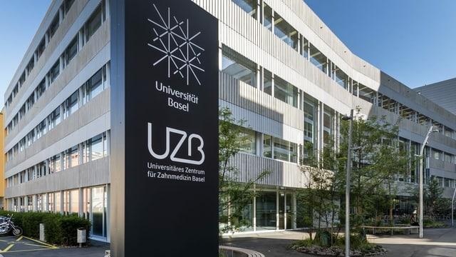 vista sin il bajetg da la universitad da Basilea