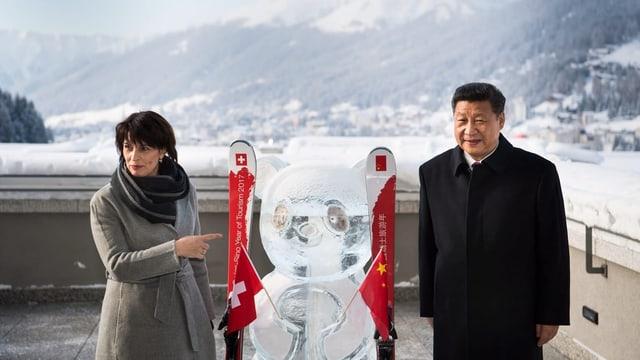 Bundesrätin Doris Leuthard und Chinas Präsident Xi Jinping am WEF
