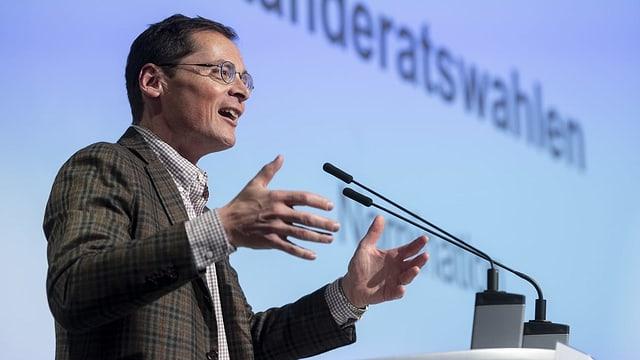 Nationalrat Roger Köppel an der Delegiertenversammlung der SVP Zürich.