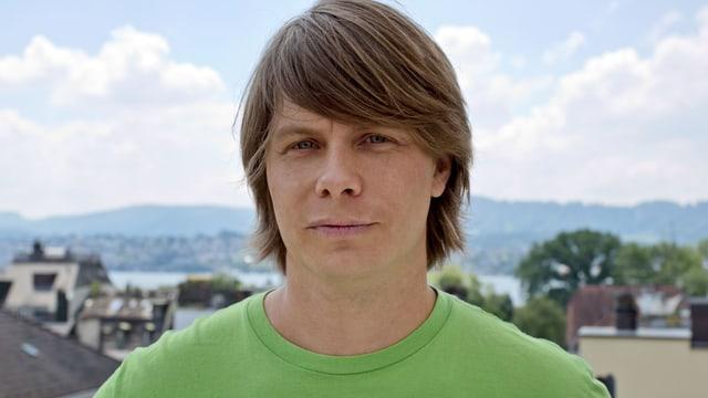 Stefan Birri, commember dal comité d'organisaziun dals dis da schlagher a Sedrun.