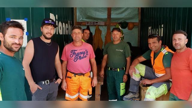 Dominik Caminada cun ses luvrers sin il plazzal a Glion.