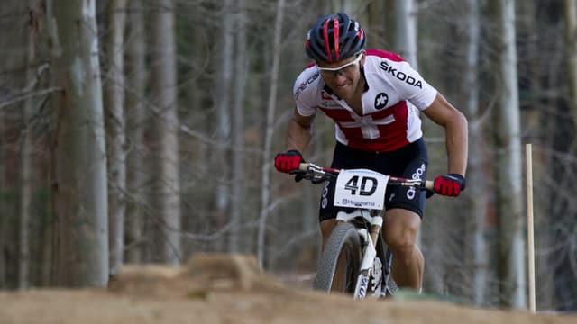 Ralpf Näf durant ina cursa da mountainbike.