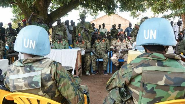 Generäle der Rebellen (SPLA-IO) treffen sich mit Vertretern der UNO-Mission im Südsudan zum Gespräch über Menschenrechte.