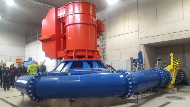 La nova turbina da l'ovra electrica Morteratsch SA.