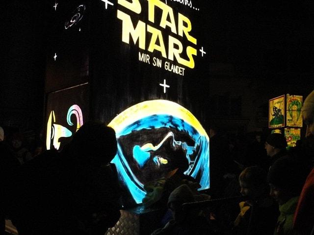 Laterne mit Star Wars Schriftzug