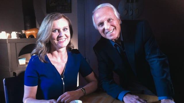 WAM (r.) im Gespräch mit Barbara Lienhard, Tochter des Kabarettisten Fredy Lienhard.