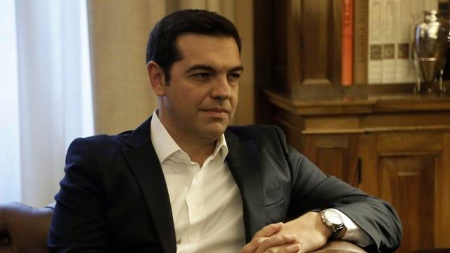 Alexis Tsipras giubilescha suenter la victoria en las elecziuns.