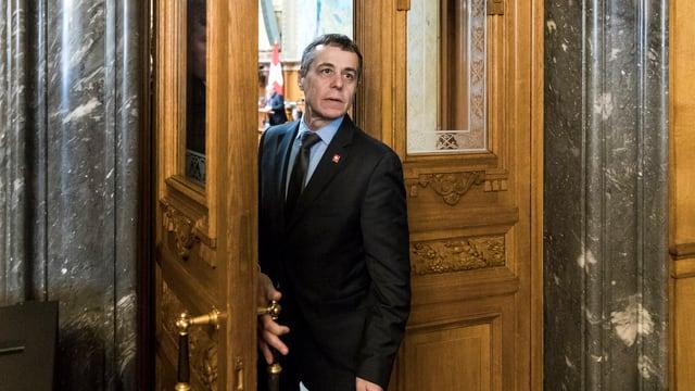 Der Aussenminister will in die Türkei reisen.