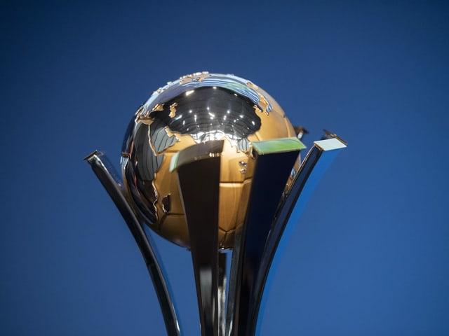 Der Pokal der Klub-WM.