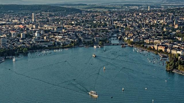 Das Zürcher Seebecken in einer Luftaufnahme.