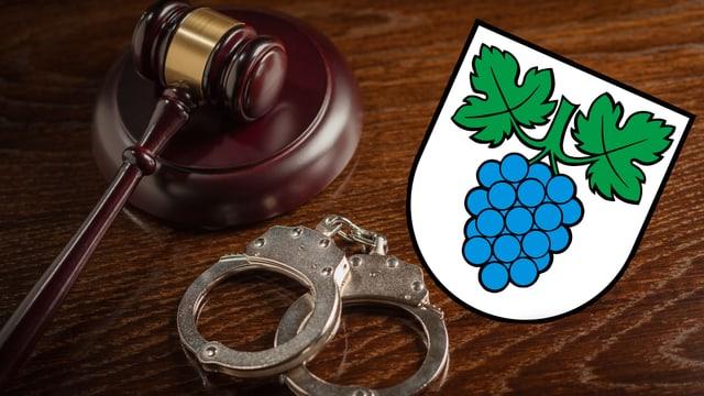 Gerichtshammer, Handschellen und Thalheim Wappen