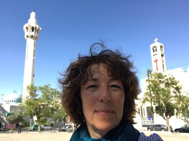 Eine Moschee und eine Kirchen – Symbol für religiöse Toleranz in Amman, Jordanien