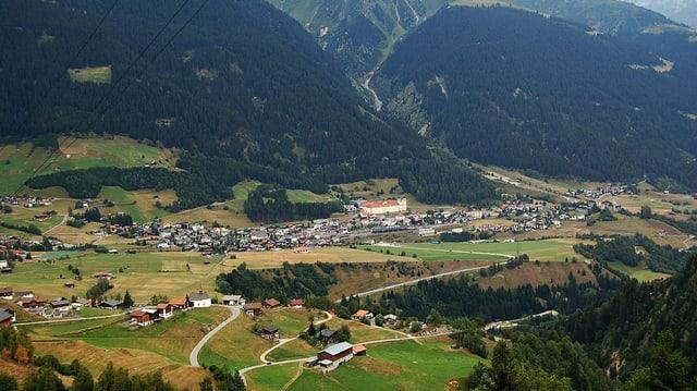 Luftaufnahme von Disentis.