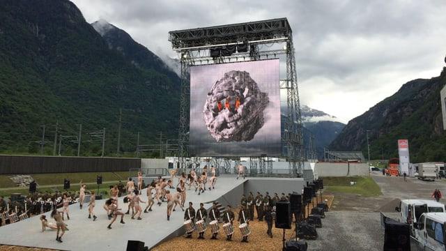 Impressiuns da l'emprova da l'inscenaziun da Volker Hesse a Pollegio