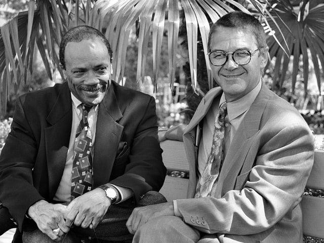 1992: Claude Nobs strahlt mit Quincy Jones um die Wette.