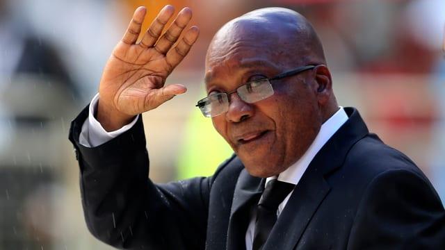 Jacob Zuma winkt
