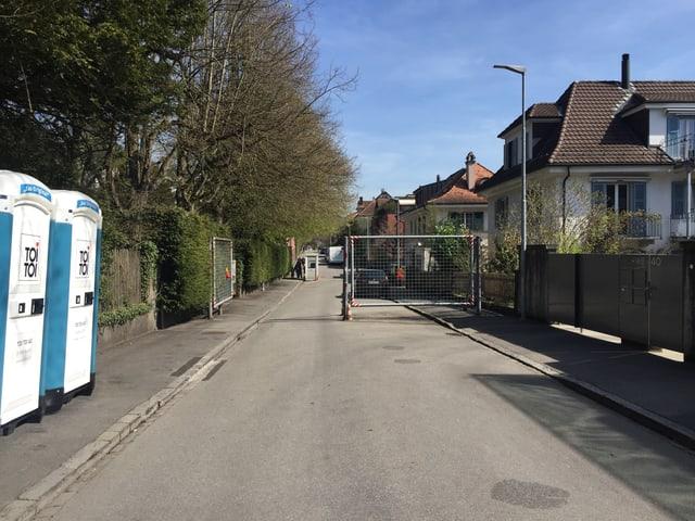 L'ambassada a Berna è segirada pli ferm durant che las urnas èn avertas per votar.