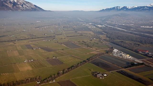 Schweizer Mittelland unter dem Hochnebel