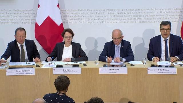 Vertreter von Kantonen und Bund.