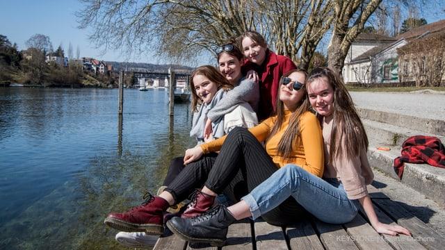 Frauen am Fluss