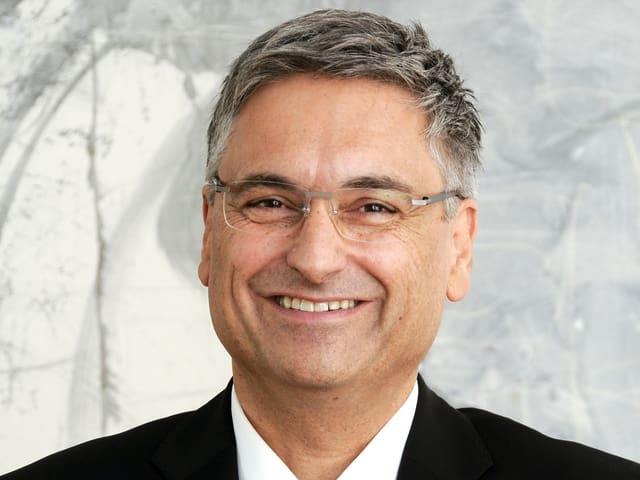 Portraitbild von Gesundheits- und Sozialdirektor Guido Graf, FDP.