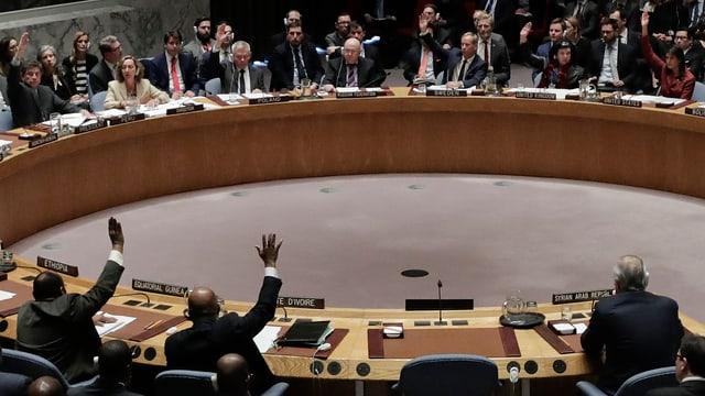Der UNO-Sicherheitsrat bei einer Abstimmung.