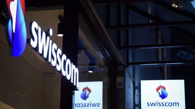 Il logo da la Swisscom vi d'in bajetg.