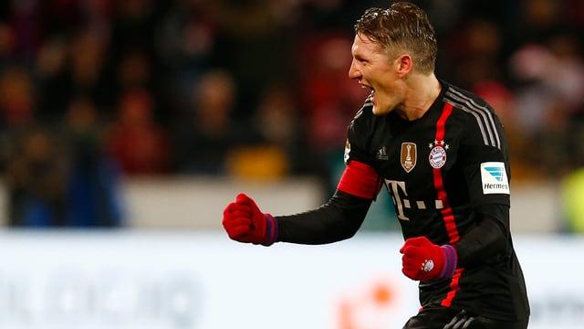 Bastian Schweinsteiger jubelt.