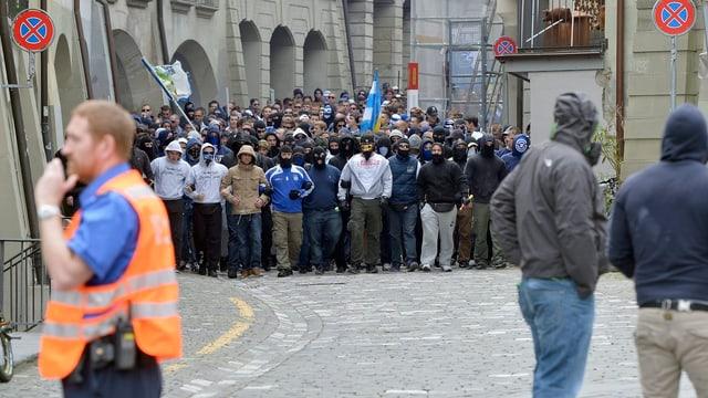 Der Marsch der GC-Fans durch die Altstadt von Bern.