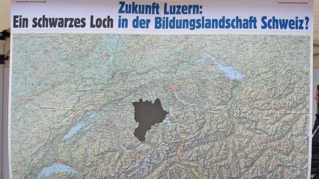 Eine Schweizerkarte, der Kanton Luzern ist schwarz eingefärbt.