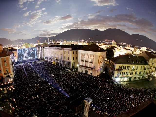Die Piazza in Locarno.