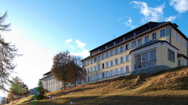 Gebäude des Hochalpinen Instituts Ftan
