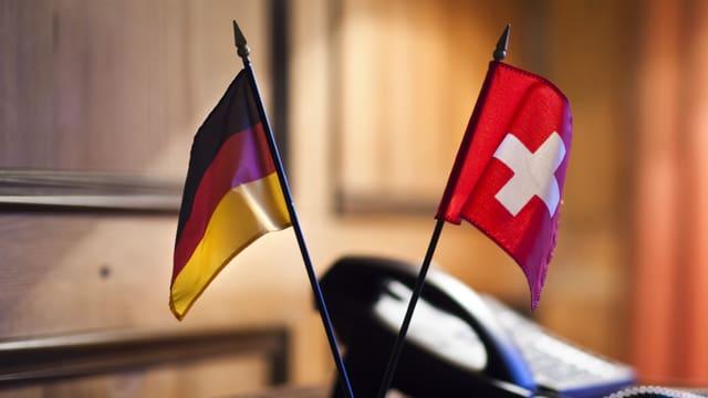 Bandierettas da la Germania e da la Svizra