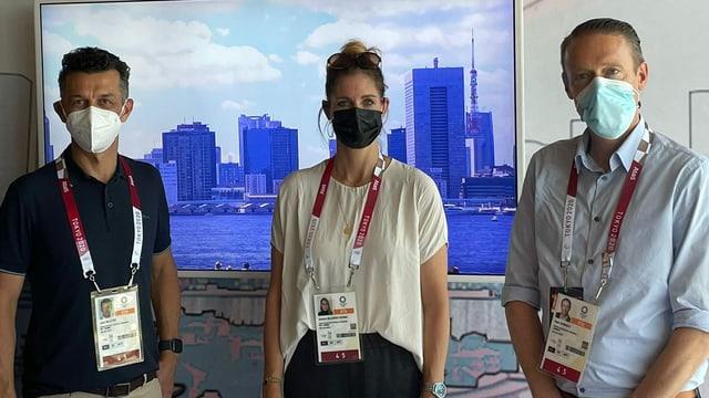 Jann Billeter, Danila Milanese und Sven Sarbach von links im SRF-Studio in Tokio.