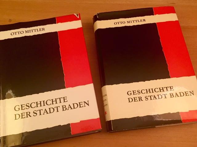 Die beiden Bände von Otto Mittlers Stadtgeschichte