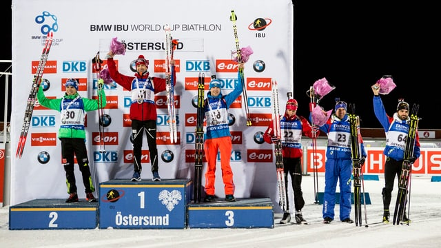 Podest cun ils biatlets Ole Einar Björndalen, Simon Schempp ed Alexej Wolkow.