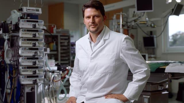 Der Chefarzt der Kinderherzchirurgie Michael Hübler.
