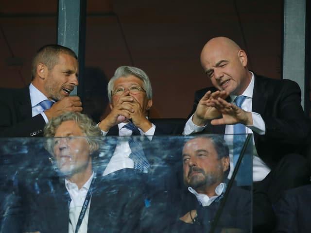 Uefa-Präsident Alexander Ceferin (l.) und sein Fifa-Pendant Gianni Infantino (r.)