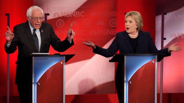sanders e Clinton sin in podi.
