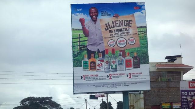 Eine afrikanische Plakatwerbung für Bier.