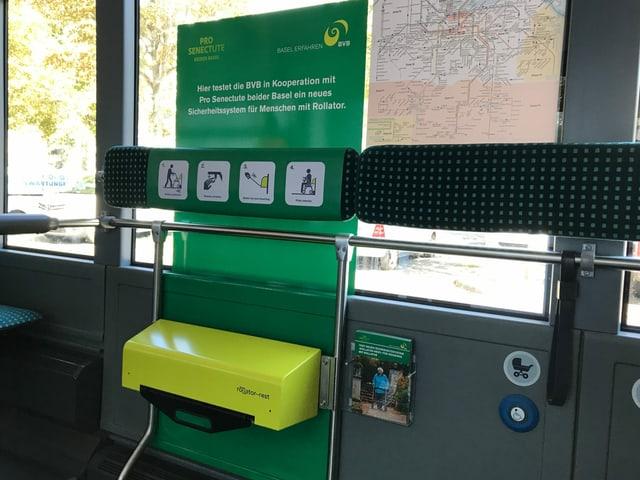 Gelber Kasten in Bus