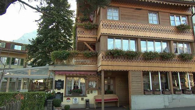 Video «Restaurant Alpenblick in Wilderswil (BE) - Tag 4» abspielen