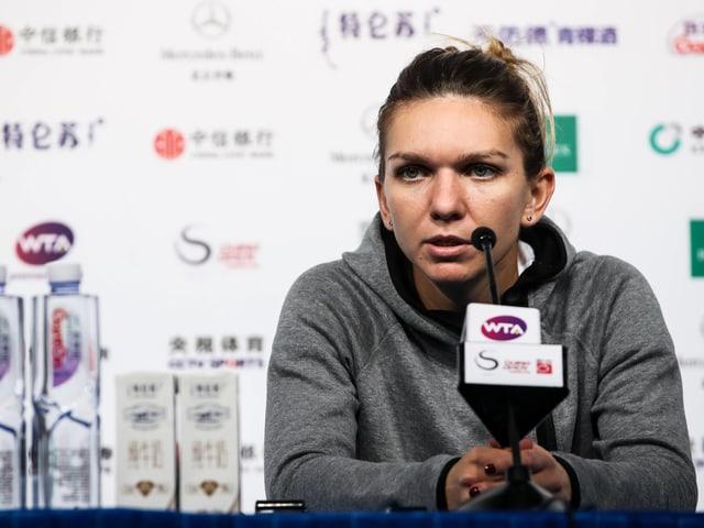Simona Halep erklärt ihre Aufgabe in Peking.
