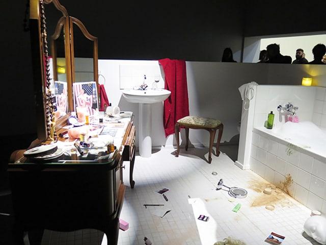 Badezimmer in einem Ausstellungsraum.