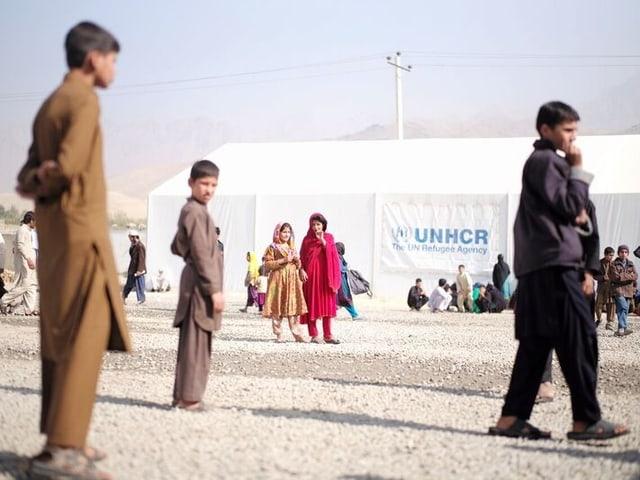 Vertriebene im UNHCR-Lager