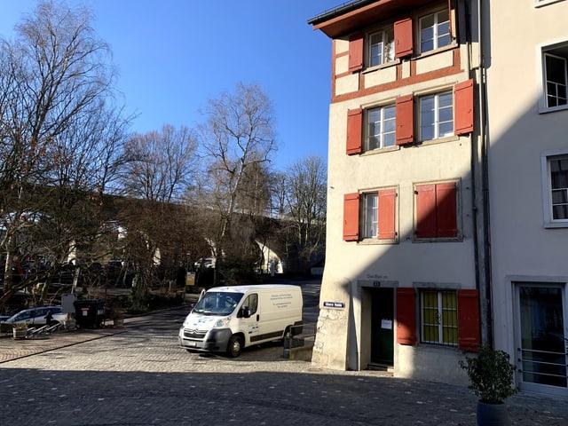Das Haus Obere Halde 23 in der Altstadt von Baden.