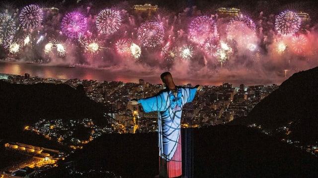 In Rio konnten Einheimische und Touristen ein Feuerwerks-Spektakel bewundern.