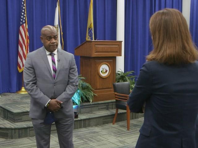 Newarks Bürgermeister Ras Baraka im Interview mit SRF