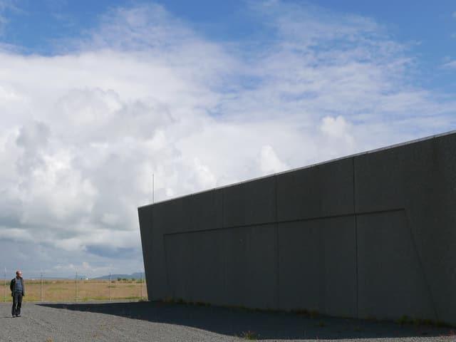 Kein Zeughaus der Schweizer Armee, sondern die Landing Station des Danice-Seekabels.