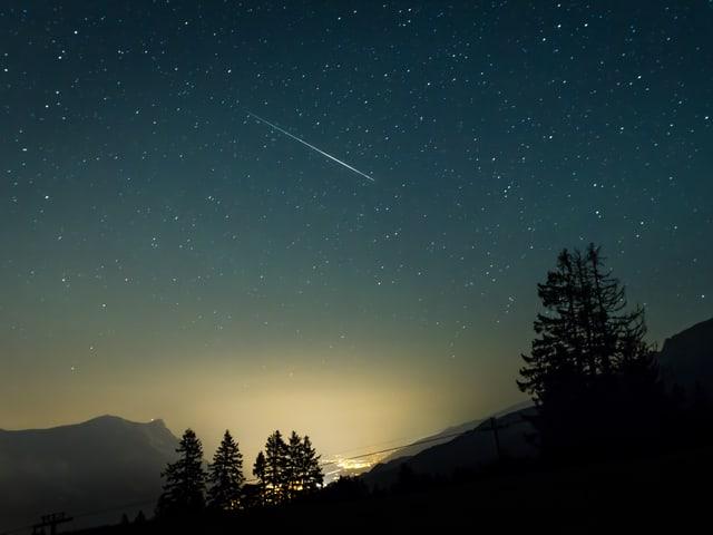 Sternschnuppe aufgebommen auf der Prodalp, Flumserberg